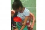 ఇంటర్నెట్ మనసు గెలిచిన ఫోటో: గేమ్ మధ్యలో బిడ్డకు పాలిచ్చిన వాలీబాల్ ప్లేయర్