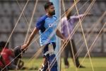 India vs Australia: టీమిండియాకు భారీ షాక్.. టెస్టు సిరీస్కు రోహిత్ దూరం!!