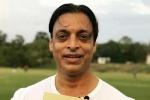 బౌలింగ్లో వేగం పెంచుకోవడానికి డ్రగ్స్ తీసుకోమన్నారు: షోయబ్ అక్తర్