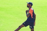 IND vs PAK: బౌలింగ్ చేయడు.. బ్యాటింగ్ రాదు! భారత జట్టులో అతడు ఎందుకు ఉంటున్నాడో అర్ధం కావడం లేదు!
