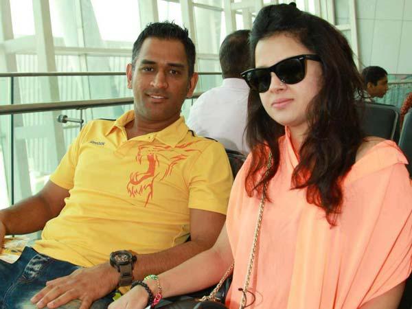 Mahendra Singh Dhoni Sakshi Name Baby Daughter Ziba