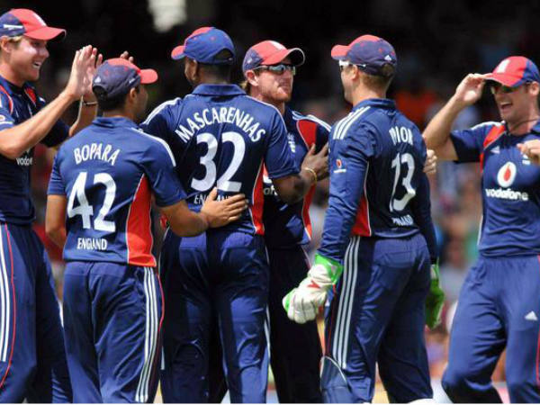 Give Up Pack Up Come Home Media Fans Can T Bear Englands Agony In World Cup