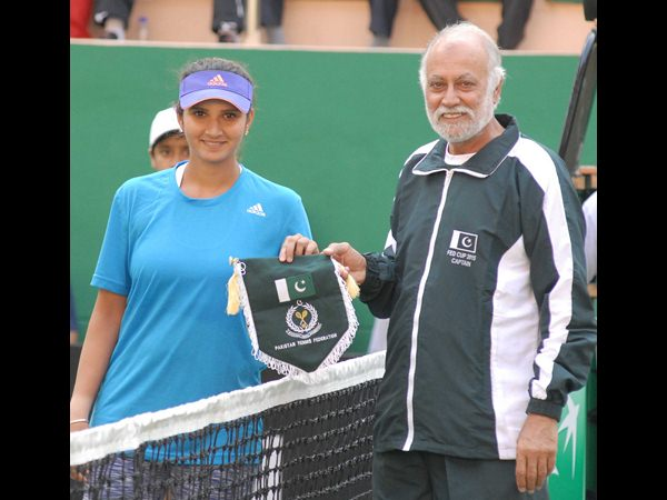 Fed Cup Sania Mirza At The World Cup Tennis Lb Stadium Tennis Complex