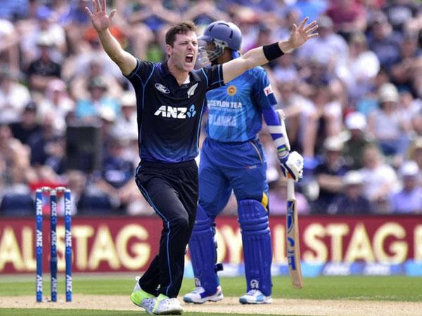 Matt Henry Martin Guptill Star As New Zealand Defeat Sri Lanka