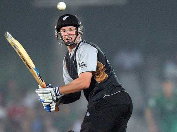 Guptill Sets Fastest Nz Fifty Record Munro Breaks It Five Overs Later