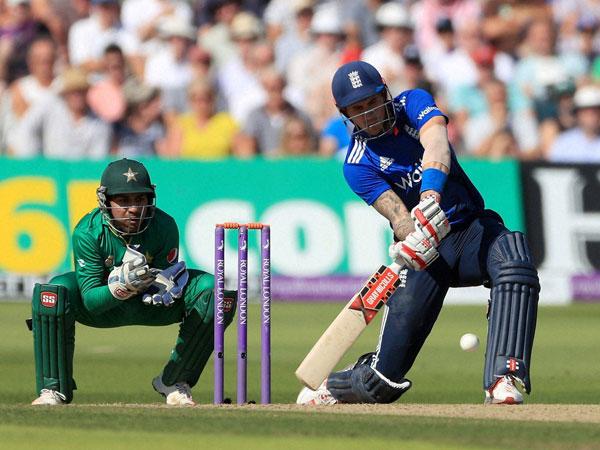 Record Breaking England Beat Pakistan