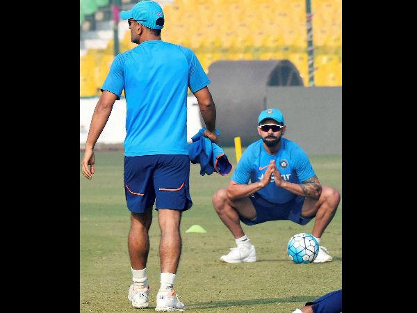 Virat Kohli Is Learning Captaincy Tricks From Vastly Exper