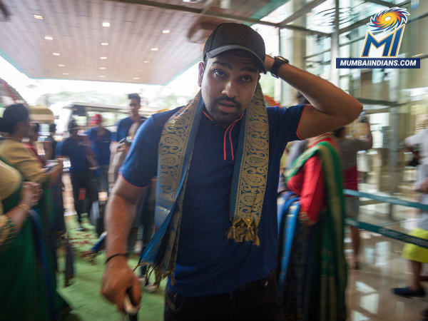 Ipl 2017 Photos Mi Reach Bengaluru Ahead Qualifier