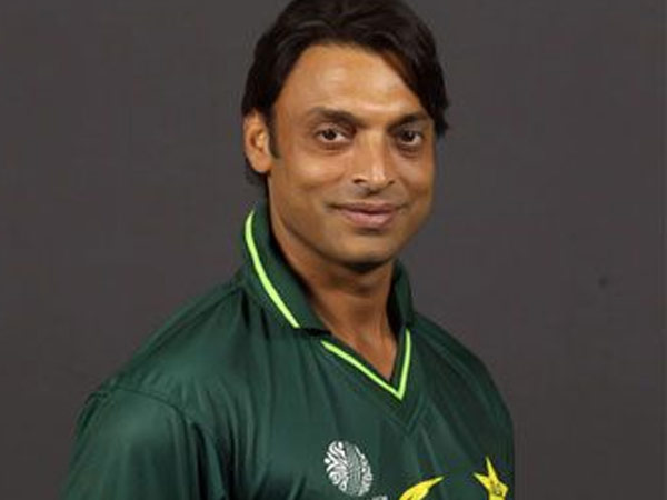 Shoaib Akhtar Shares Throwback Moment With Shah Rukh Khan