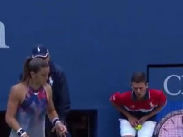 Venus Williams Hits Ball Boy His Crown Jewels With Big Serve At The Us Open