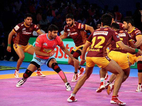 Pro Kabaddi League 2017 Up Yoddha Hammer Jaipur Pink Panthers 53 32