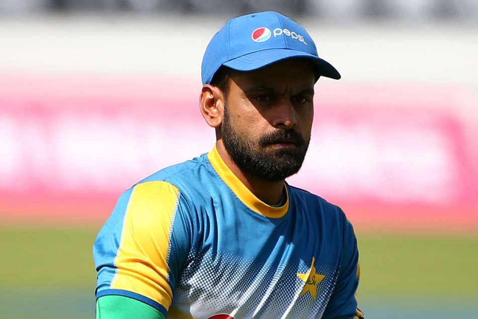 Hafeez Should Give Up Bowling After Third Suspension Akram
