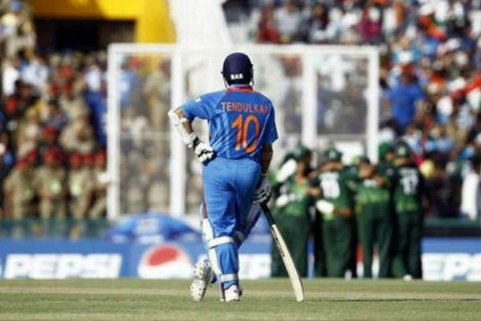 Sachin Tendulkar S No 10 Jersey Unofficially Retired Bcci