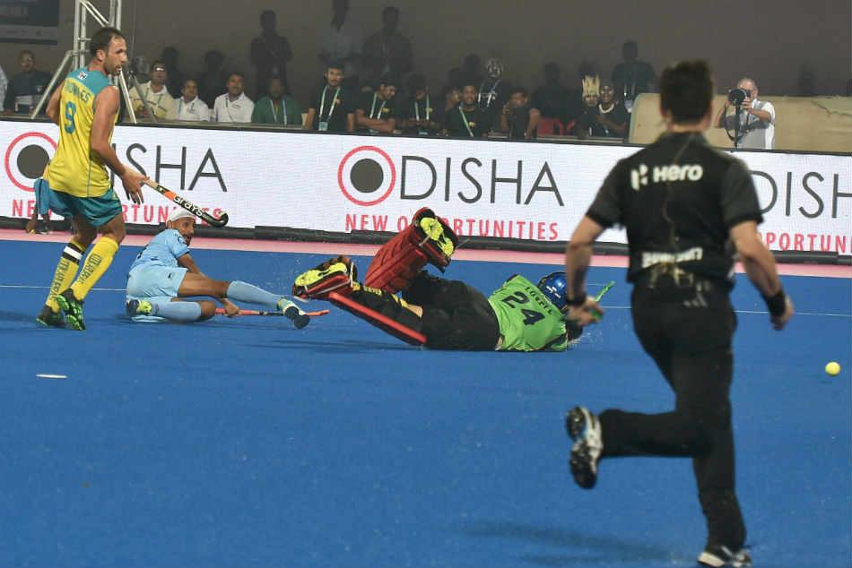 Hwl India Hold Mighty Australia 1 1