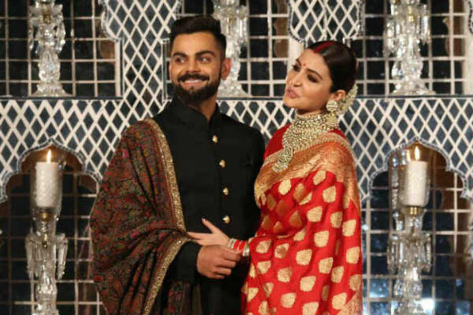 Anushka Sharma Virat Kohli Dance Like Nobody S Watching At Delhi Reception