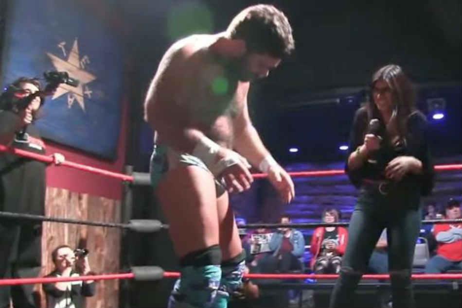 Mia Khalifa Harassed Forced Suck D K Lollipop At Pro Wrestling Event Video