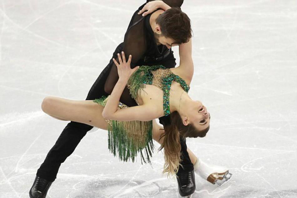 Ice Dancer Gabriella Papadakis Endures Nip Slip Wardrobe Malfunction