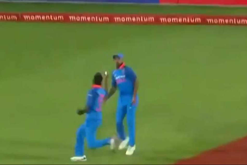 Watch: Hardik Pandya Avoids Collision With Shikhar Dhawan, Takes One-Handed Catch
