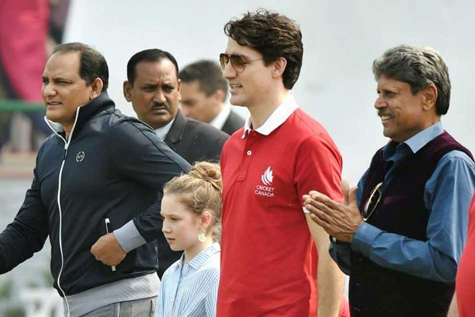 Canada Pm Justin Trudeau Plays Cricket With Kapil Dev Mohamad Azharuddin