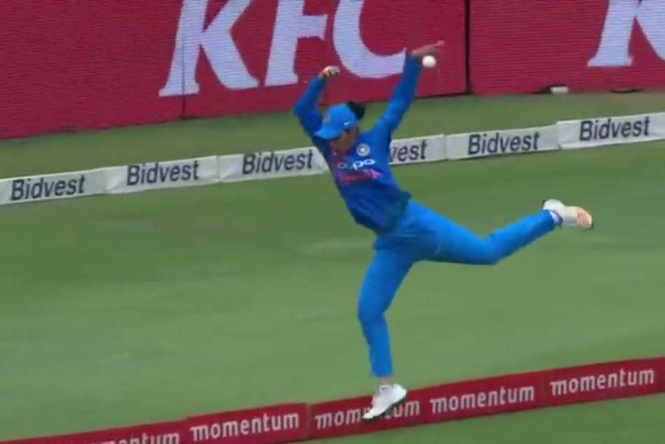 Smriti Mandhana Fielding Effort Saved 5 Runs