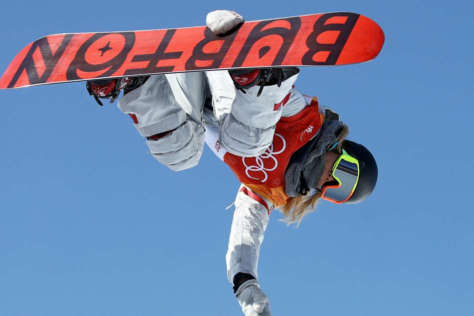 Chloe Kim S Proud Dad Made The Sweetest Homemade Sign The Olympics