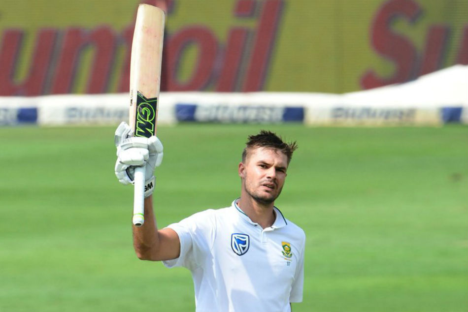 Australia fight back late after Markram, De Villiers prop up South Africa