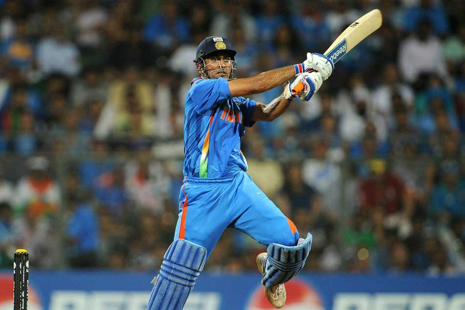 MS Dhonis 2011 WC final bat is the most expensive bat ever