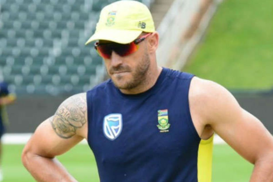 Chef Faf du Plessis Goes Shirtless as He Cooks for CSK Teammates