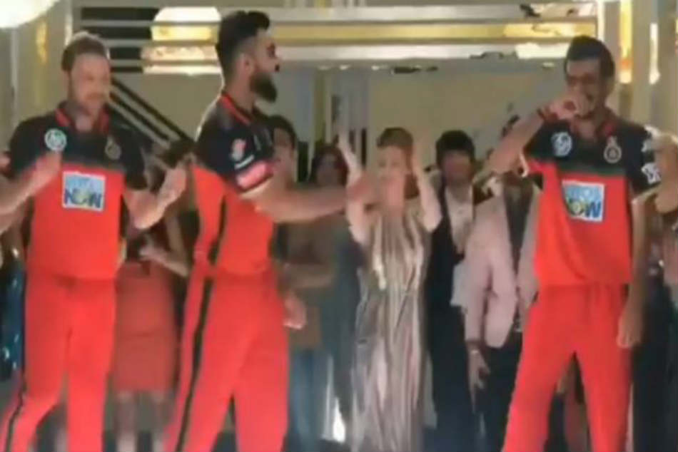 Ipl 2018 Virat Kohli Shows Dance Moves With Chahal Mccullum