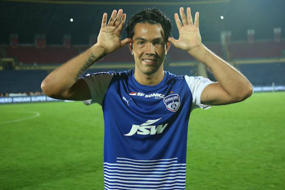 Chhetri named Hero of ISL, Corominas wins Golden Boot