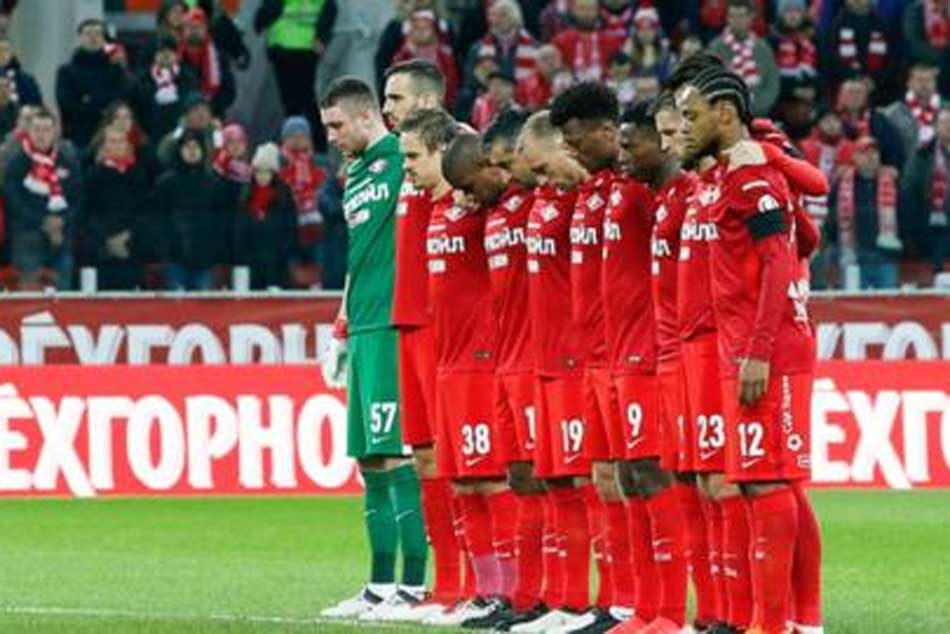 Fans in Russia stay silent in tribute to victims of Kemerovo fire