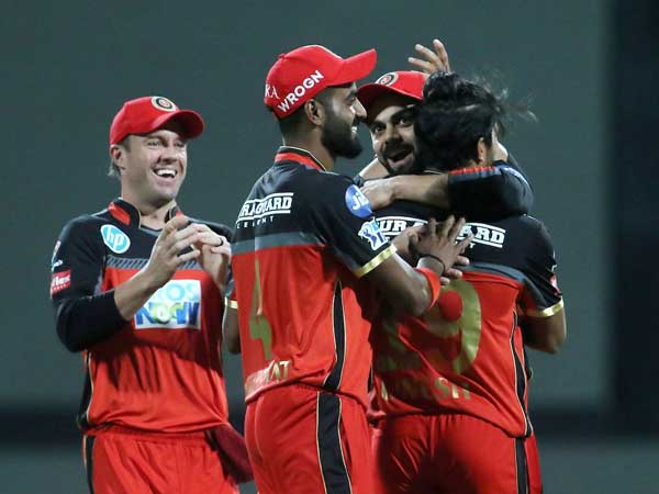 IPL 2018: Umesh Yadav takes three wickets in an over to halt Kings XIs charge at Bangalore
