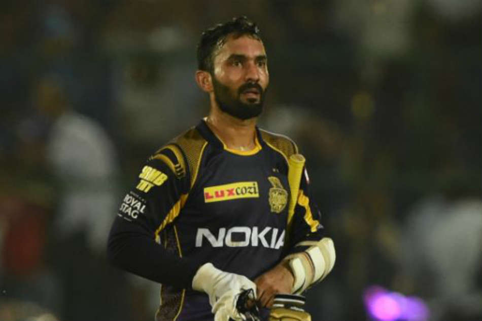 IPL 2018, KKR vs MI: Dinesh Karthik Does An MS Dhoni, Pulls Off Stumping In A Flash