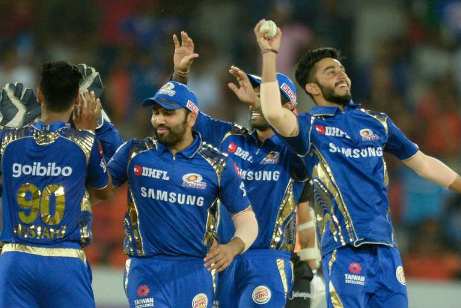 IPL 2018 Playoffs: Battle Heats Up for Last Two Positions With Five Teams in Fray