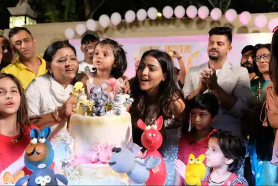 IPL 2018: MS Dhoni, Dwayne Bravo Celebrate Suresh Rainas Daughters Birthday