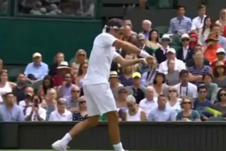 Watch: Roger Federer Gives A Glimpse Of His Cricketing Credentials During Wimbledon Match