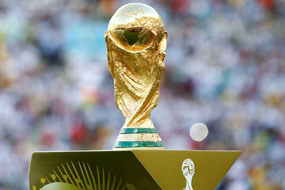 Fifa World Cup Trophy Is Made 11 Pounds 18 Karat Gold Worth Dollar
