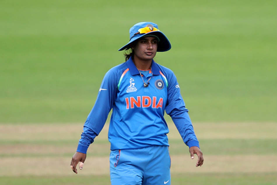 Mithali Raj Sends Special Gift Soha Ali Khan S Daughter Says Its Never Too Early