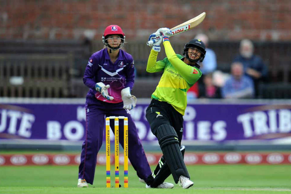 Kia Super League Smriti Mandhana Smashes Joint Fastest Womens T20 Half Century