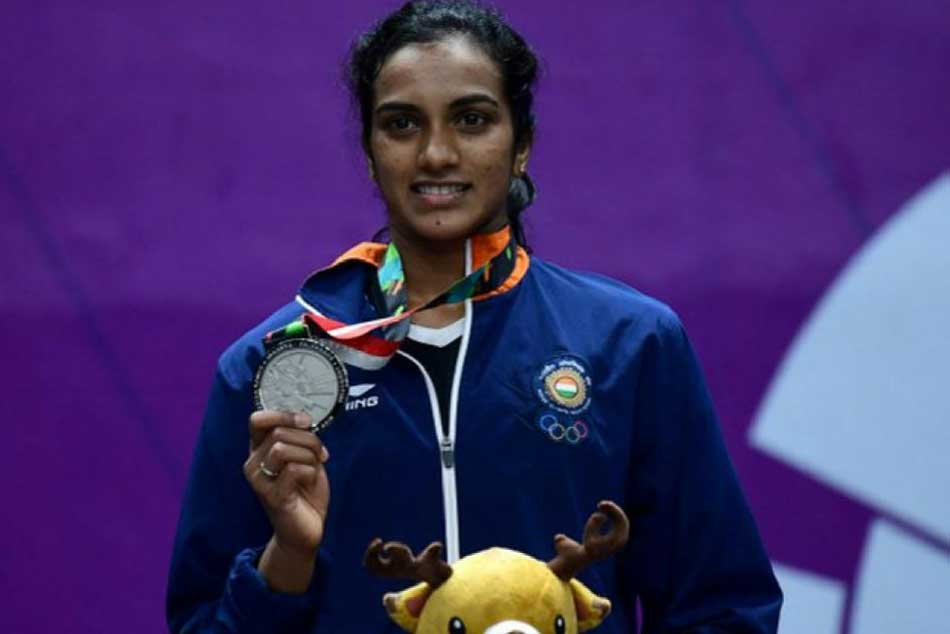 PV Sindhu, Saina Nehwal aim to return better