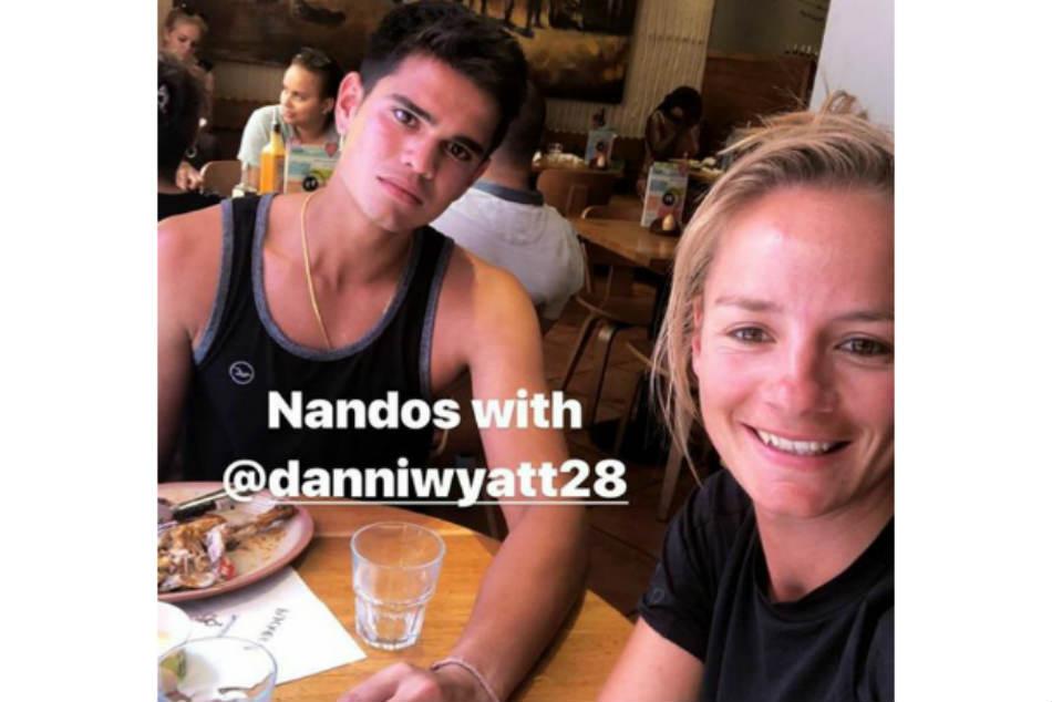 Sachin Tendulkar S Son Arjun Spotted Having Lunch With England Woman Cricket Star