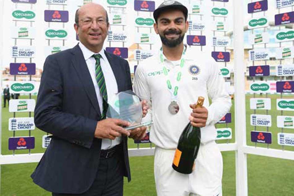 Virat Kohli Man Of The Match Gifts His Champagne Bottle Ravi Shastri