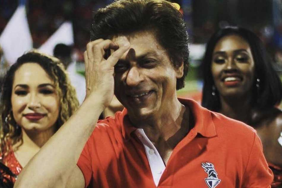 Shah Rukh Khan Dances With Cheerleaders After His Team Trinbago Knight Riders Loses