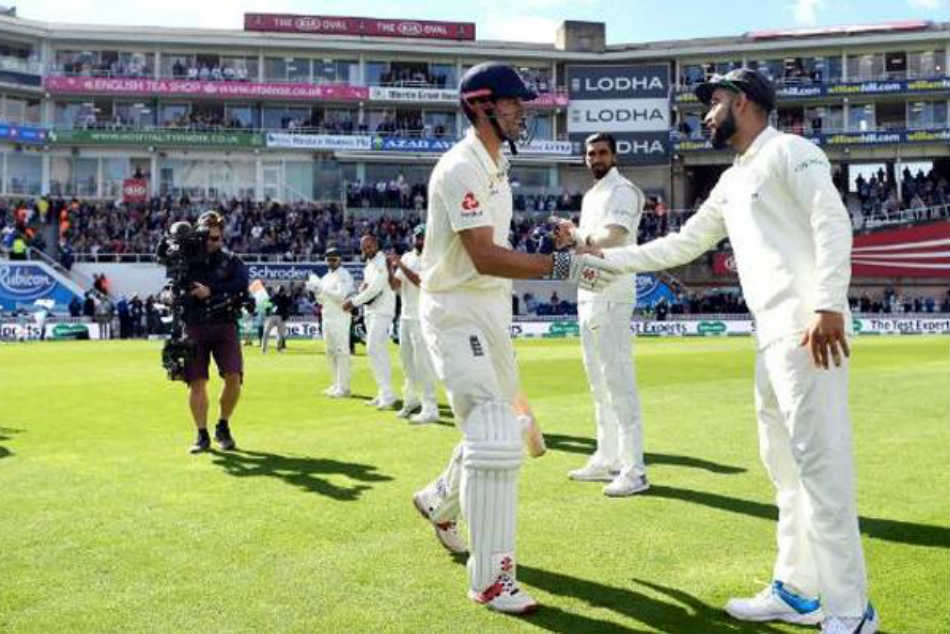 th Test Retiring Alastair Cook Receives Guard Honour From India