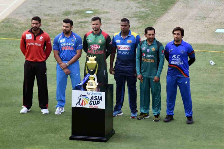 Ms Dhoni Rohit Sharma Other Indian Players Leave Asia Cup
