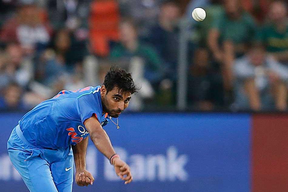 India Vs Pakistan Asia Cup 2018 Bhuvneshwar Kumar Strikes Once Again Fakhar Zaman Out