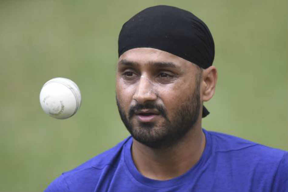 Different Rules Different People Tweets Harbhajan Singh On An In From Players