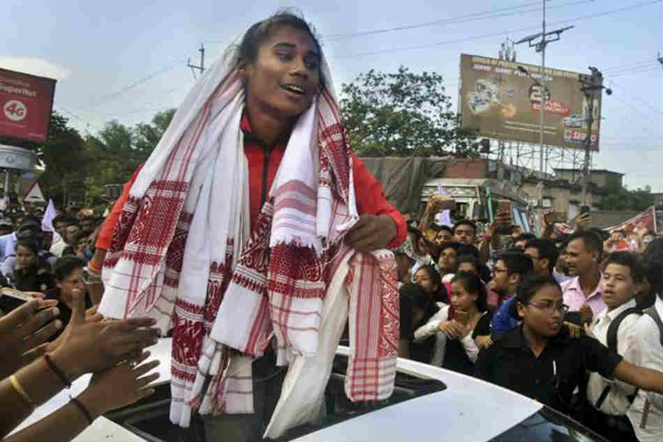 Asian Games medalist Hima Das gets grand welcome at Guwahati
