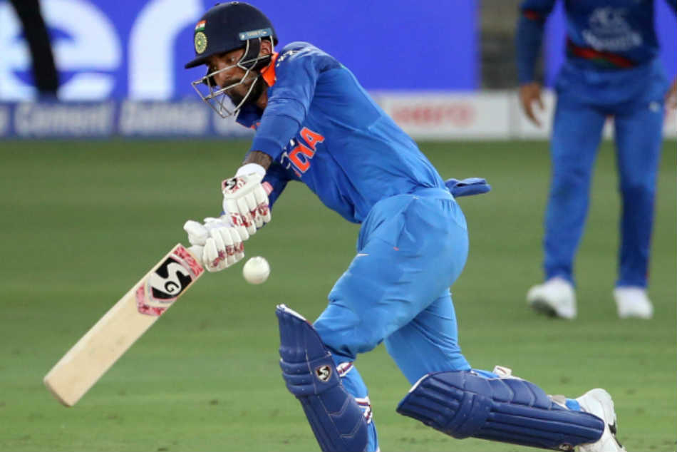 Ms Dhoni Lbw B Kl Rahul Angry Fans Troll Indian Opener Wasting Review