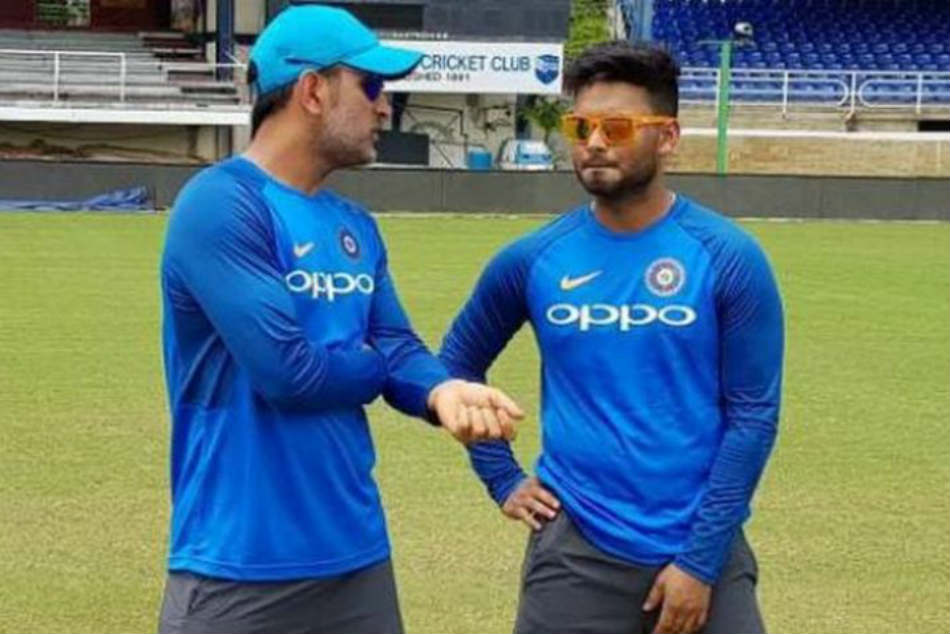 Rishabh Pant Or Ms Dhoni Who Should Be India S Wicket Keeper At 2019 World Cup Virender Sehwag